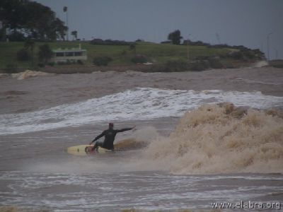 Surfing en Montevideo